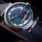 breguet orgullo relojero presenta el marine equation 5887 esferas con decoración en guilloché de plata o de oro el acanalado del canto