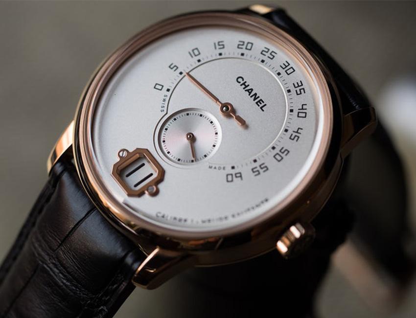 chanel monsieur disponible en ultrajewels este es el primer reloj masculino firmado por chanel