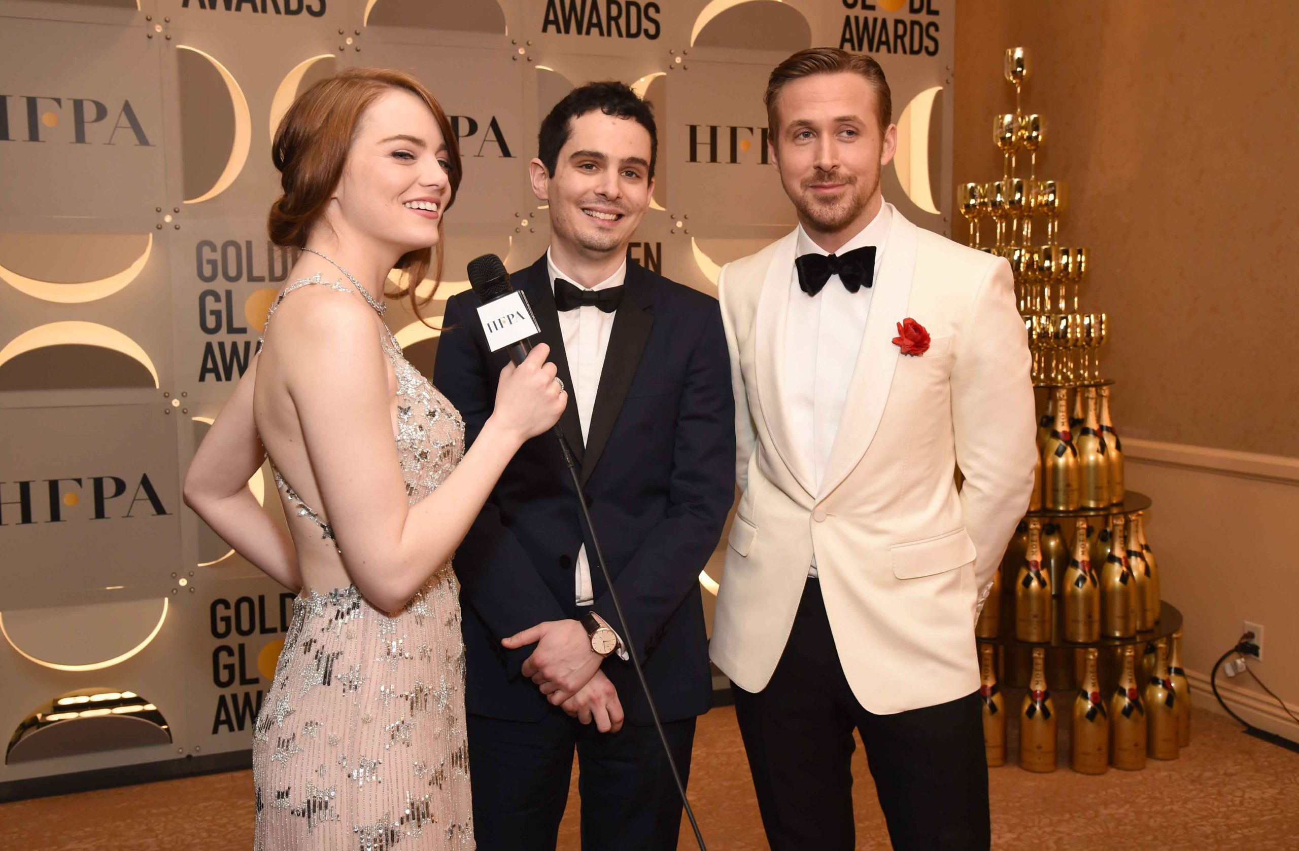 emma-stone-damien-chazelle-and-ryan-gosling-during-the-74th-annual-golden-globe-awards