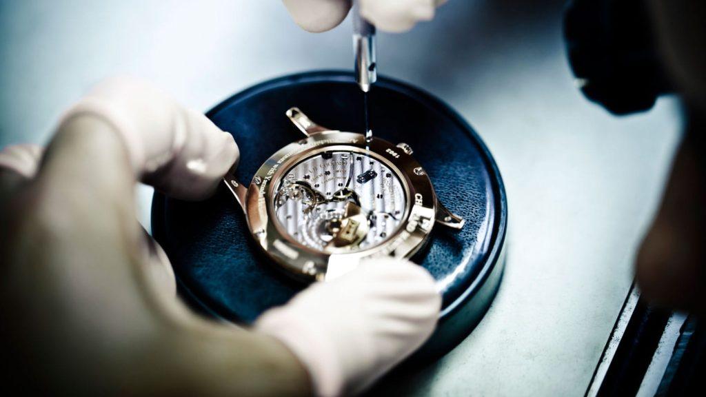 |luxury watchmaker 620x330|reparar relojes madrid servicio mantenimiento relojes