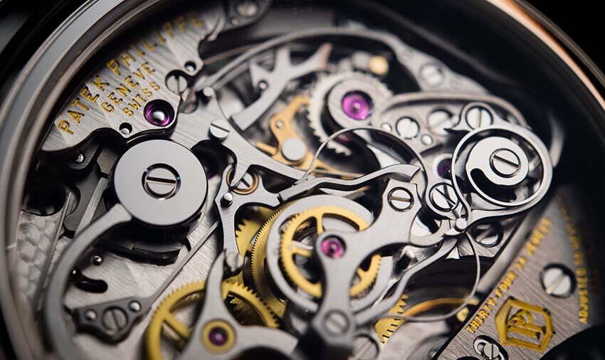 ¿Qué es el movimiento de un reloj?