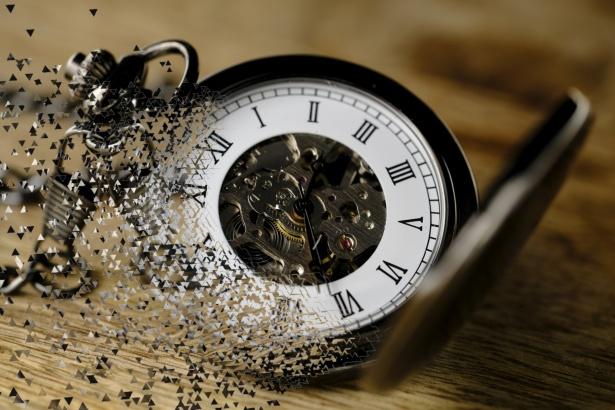 que es el tiempo y la importancia de medirla con relojes|galaxia de andromeda|imagen del tiempo|imagen del tiempo reloj de arena